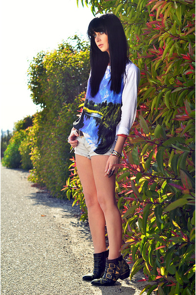 Motel Rocks t-shirt - Chloe boots - LF shorts