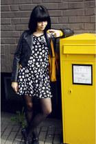 black biker H&M jacket - mustard satchel vintage bag - black with daisy Atmos bo