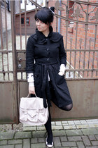 black INFLUENCE London coat - light pink satchel New Yorker bag - black American