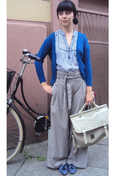 blue pinapple London shoes - beige Atmosphere pants - beige Atmosphere cardigan