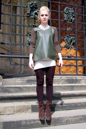 dark green faux leather Zara sweater - dark brown suede Geox shoes