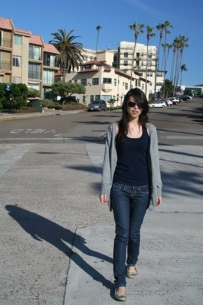 H&M - Levis top - jeans - Steve Madden shoes - Marc by Marc Jacobs sunglasses