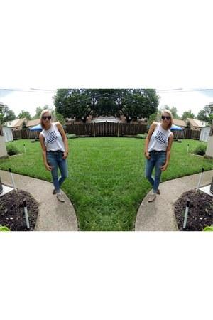 hollister jeans - black sunglasses - blue Forever 21 bra