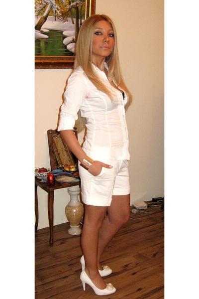 Cavali shoes bershka ts shirts zara panties forever 21 for T shirt and panties