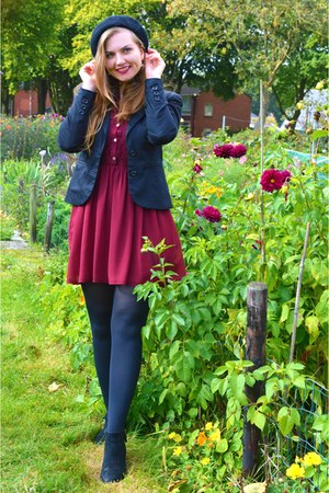 black boots - maroon dress - black hat - black blazer