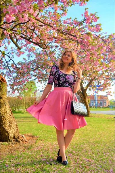 black purse - black top - bubble gum skirt - black heels - bubble gum bracelet