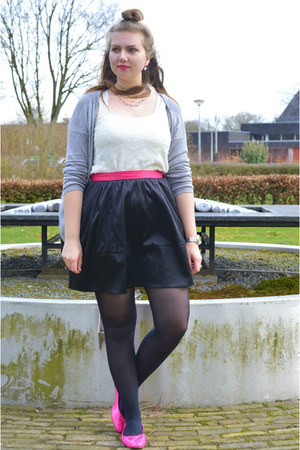 silver cardigan - hot pink flats - black skirt - white top - silver necklace