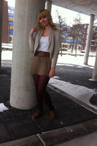 light brown knitted skirt - brown shoes - crimson tights - brown belt