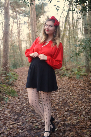 black heart tights - black skirt - red blouse - black pumps - red hair accessory