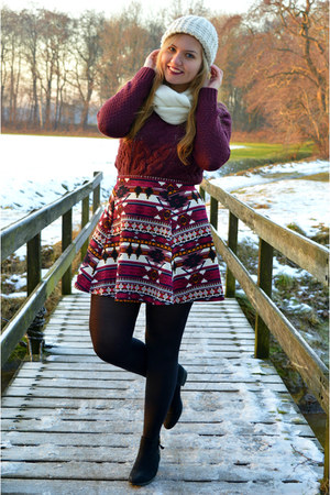 crimson skirt - black boots - white hat - crimson sweater - white scarf