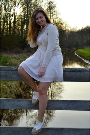 white dress - tan shoes - beige cardigan - white necklace