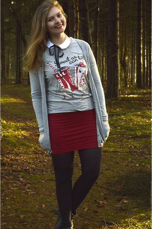silver t-shirt - black boots - black tights - red skirt - white accessories