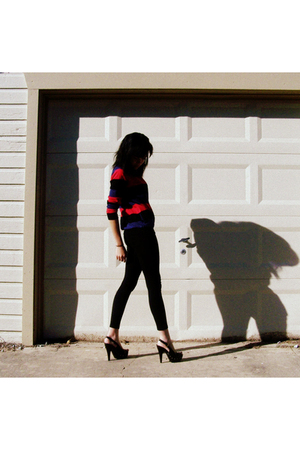 Forever 21 sweater - Forever 21 leggings - Charlotte Russe shoes