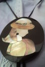 Black-necklace