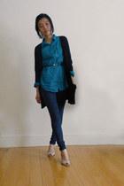 turquoise blue H&M shirt - blue jeans - black American Eagle cardigan