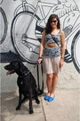 Black-leather-coach-purse-heather-gray-kitties-forever-21-shirt