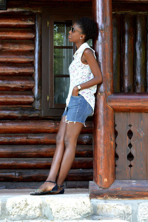 ivory Ladys Fashion ETIC blouse - blue Established In shorts