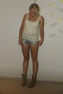Suede-coconut-boots-denium-cotton-on-shorts-lace-just-jeans-top