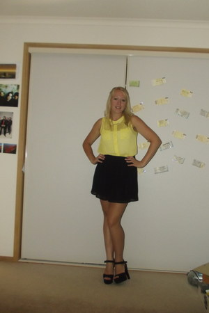 yellow Sportsgirl blouse - black Sportsgirl skirt - heels