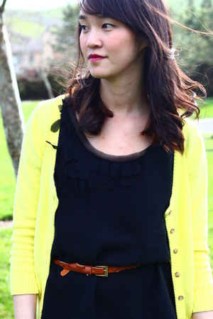 Forever 21 jeans - Forever 21 belt - black banana republic top - yellow American