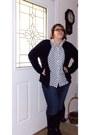 Dark-brown-dark-brown-flat-boots-misfit-jeans-white-bonworth-shirt