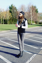 H&M jeans - Shoe Zone boots - Forever 21 hat - H&M sweatshirt