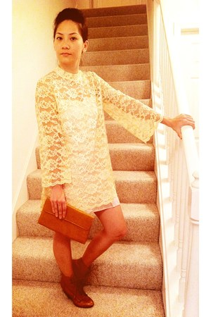 tawny leather Express boots - beige lace vintage dress - tawny vintage purse