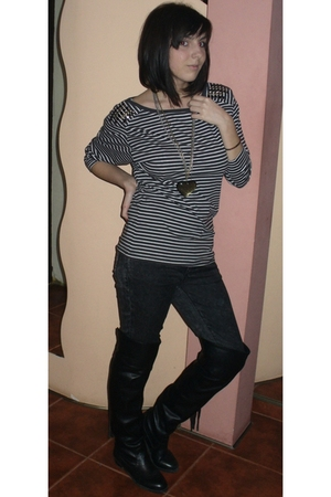gold Oasis accessories - brown pull&bear blouse - gray Zara jeans - dont know bo