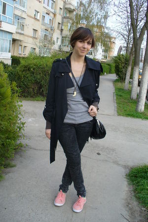 gray H&M top - brown H&M cardigan - gray Zara jeans - black Clockhouse C&A purse