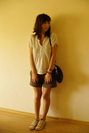 H&M shirt - Zara shorts - Converse shoes - c&a purse - Swatch accessories - Gift