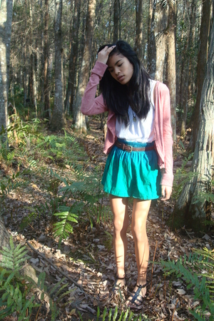 urbanoutfitters blazer - H&amp;M skirt - Gap t-shirt - BCBG shoes - belt