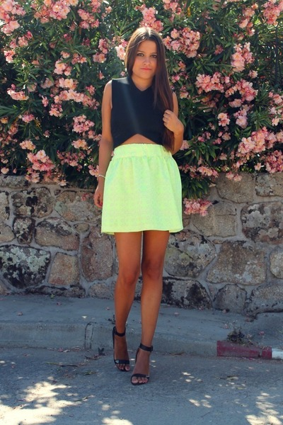 yellow Zara skirt - black Zara top