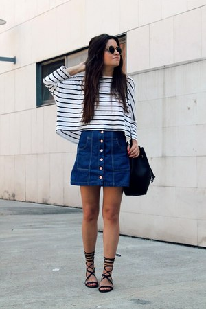 white H&M top - navy Stradivarius skirt - black Mango sandals