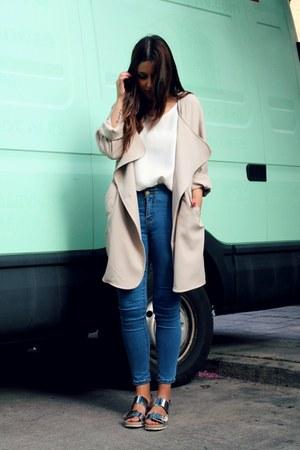 cream romwe coat - blue Sheinside jeans