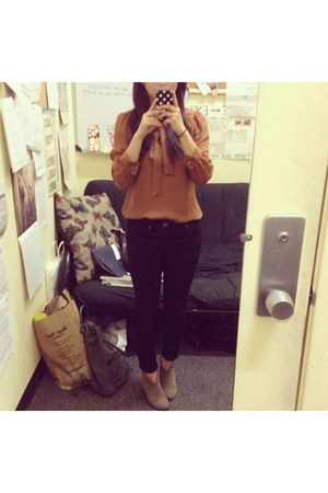 brown silk Marc by Marc Jacobs blouse - tan Steve Madden shoes