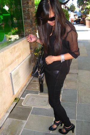 black Forever 21 jeans - black H&M blouse - black Sofft shoes - black Gucci
