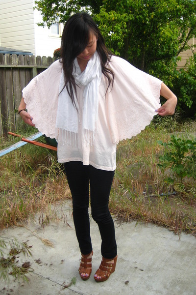 pink H&M shirt - brown Cynthia Vincent x Target shoes - gray Juicy Couture cardi