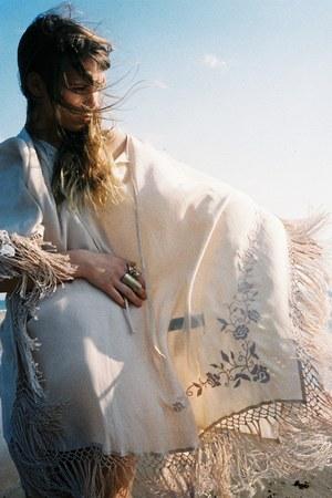 cream Zara dress