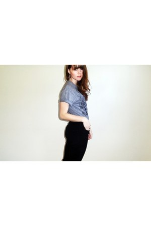 heather gray t-shirt - black BDG jeans