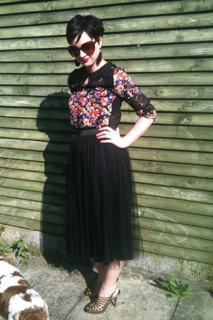 black midi vera moda skirt - Primark sunglasses - gladiator Office sandals