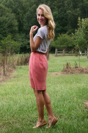 bubble gum thrifted skirt - white Gap t-shirt - light brown Lucky Brand flats