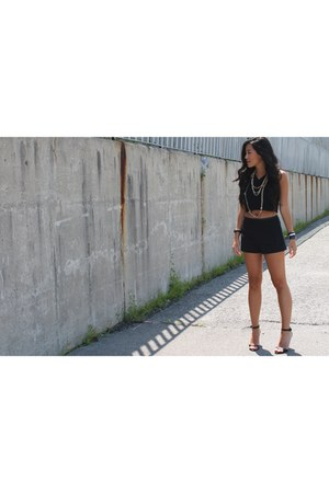 black high waisted Forever 21 shorts - black crop top Forever 21 top