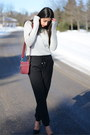 Heather-gray-target-sweater-maroon-shoulder-target-bag