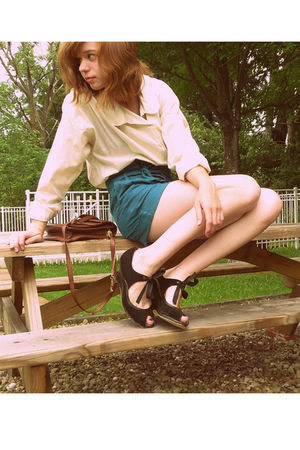 white blouse - green f21 shorts - brown - black poetic licence