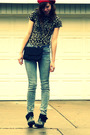 Red-accessories-black-target-t-shirt-black-moms-accessories-blue-bdg-jeans