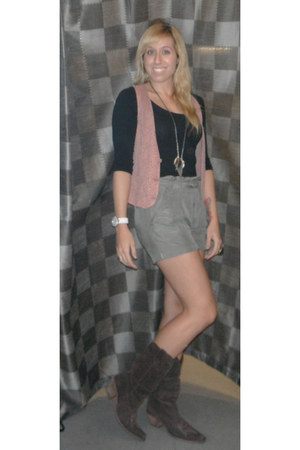 dark brown suede Steve Madden boots - black cotton Forever 21 shirt - forest gre