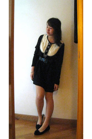 black dress - black belt - shoes
