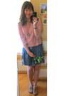 Chapel-necklace-bubble-gum-top-navy-skirt