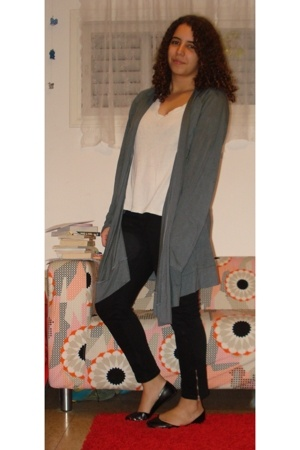 Target coat - forever 21 t-shirt - forever 21 jeans - American Eagle shoes