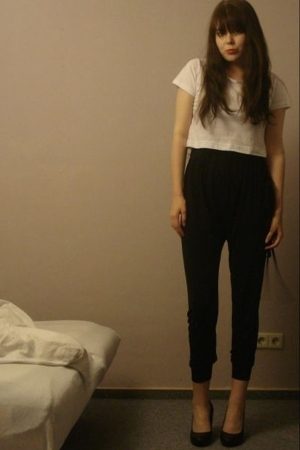 black harem pants Topshop - black wedges H&amp;M - white crop tee H&amp;M